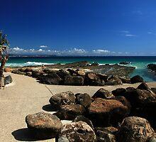 Snapper Rocks Gold Coast by Noel Elliot