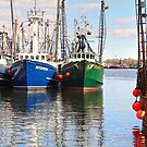 Sunny Sunday in the harbor by Poete100