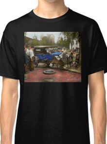Car Accident - It came out of nowhere 1926 Classic T-Shirt