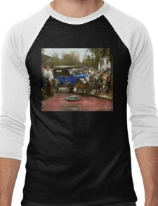 Car Accident - It came out of nowhere 1926 Men's Baseball ¾ T-Shirt