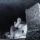 Rochester Castle at night by Ian Hufton