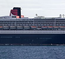 QUEEN MARY 2 by Kit347