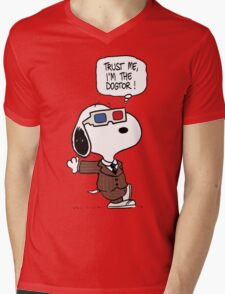 Peanuts Trust Me Im Doctor Mens V-Neck T-Shirt