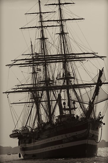 Naval ship by Marcidog