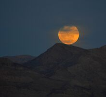 Full Moon Over Lake Mead by Eleu Tabares