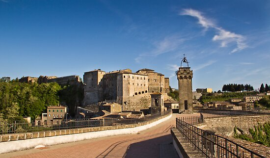 Sorano, Tuscany by vivsworld