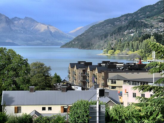 Overlooking Queenstown by Larry Lingard/Davis