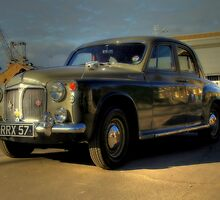 Rover 90  by larry flewers