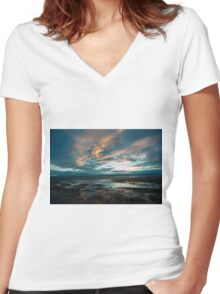 West Kirby Sunset Women's Fitted V-Neck T-Shirt