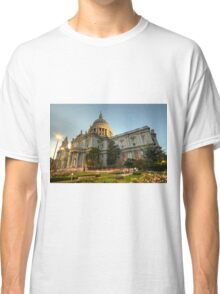 St Paul's Cathedral at dusk  Classic T-Shirt