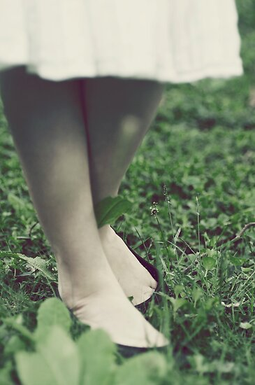 She stood in the grass by Nicola Smith