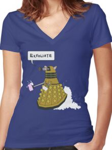 EXFOLIATE Dalek Women's Fitted V-Neck T-Shirt
