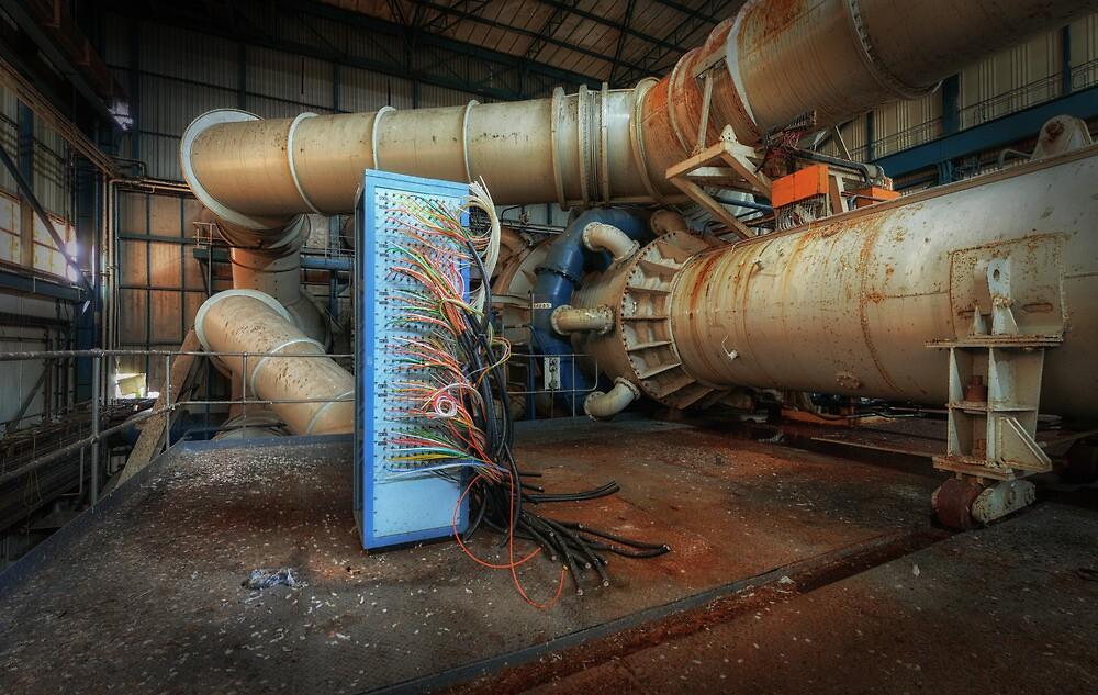 Wirecase by Michael Baldwin