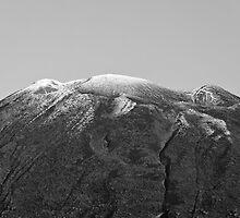 Yotei summit by Paul Malandain
