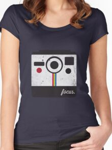 Focus Women's Fitted Scoop T-Shirt