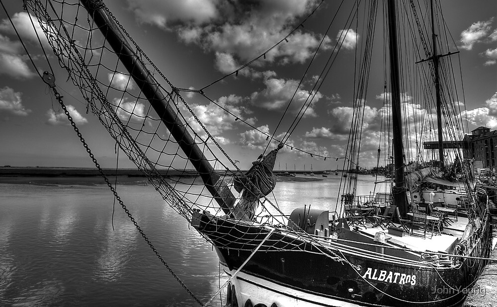 Albatros Restaurant.... Floating Diners by JohnYoung