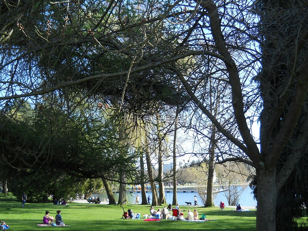 Sunny Easter Sunday at Green Lake by Mike Cressy