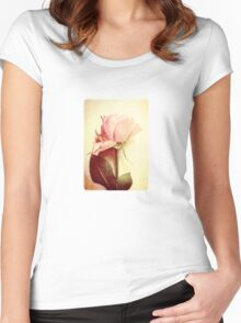 Vintage Rose Women's Fitted Scoop T-Shirt