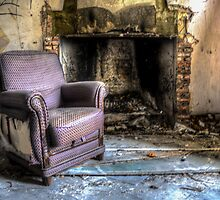 abandoned villa by Nicole W.