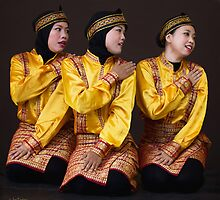 Saman dancers by Jan Pudney