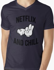 Netflix and chill - hands Mens V-Neck T-Shirt