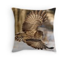 """""""I hope he didn't forget my luggage"""" - Great Grey Owl Throw Pillow"""