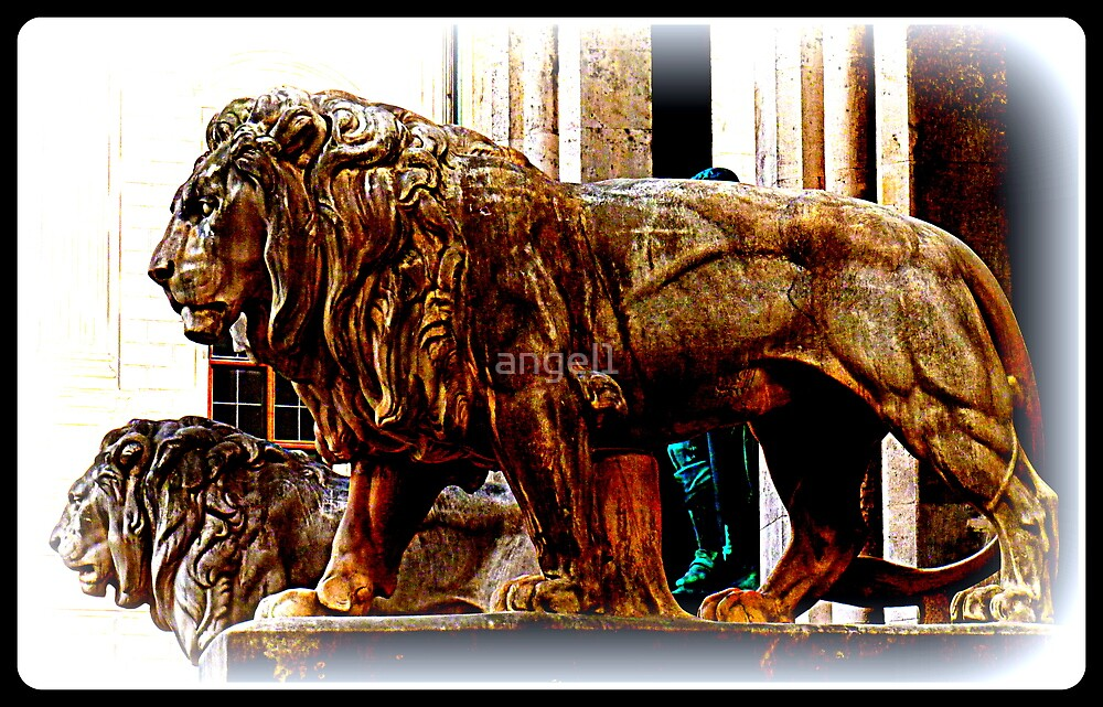 The Lions at Odeonsplatz ~ Munich by ©The Creative  Minds