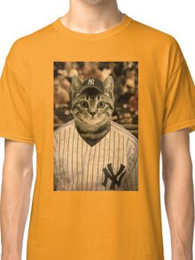 Baseball cat (2) Classic T-Shirt