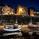 Waiting for the tide by Darren Allen