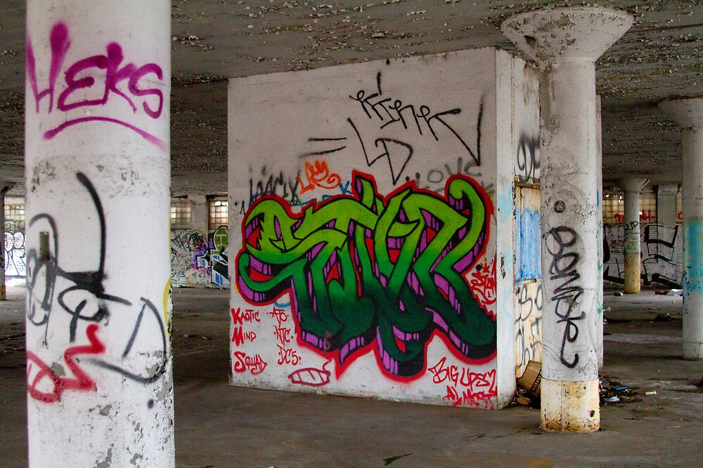 Graffiti Room by L2Photography
