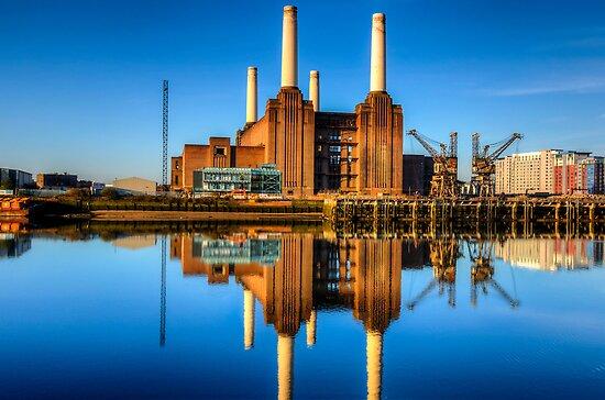 Battersea Power Station by Stuart  Gennery
