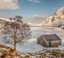 Frozen Lake Ogwen by Adrian Evans