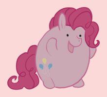 Pinkiebean by LeeLeeMoreau