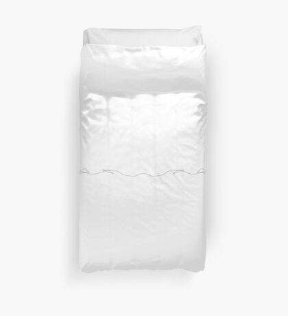 polygonal arrest - white Duvet Cover