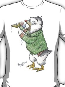Grunge penguin taking an ice cool break. T-Shirt