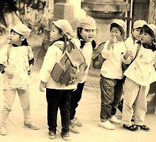 Japanese school kids by juliaweston