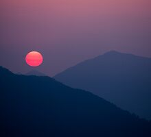 Himilayan sunrise by Christopher Cullen