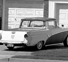 Old car  in the driveway- B&W by henuly1