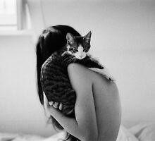 kitty's back. by shutterprints