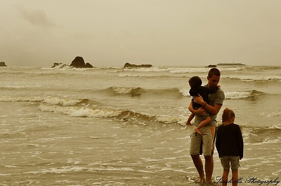 experiencing waves by Sarah Ella Jonason