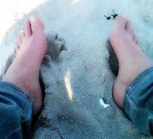 Beach feet by OLIVER W