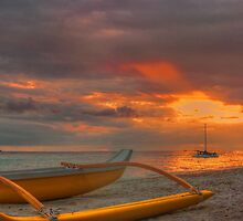 Waikiki Beach sunset by Chris Brunton