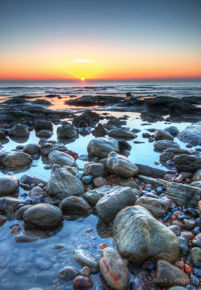 Sunrise over Winchelsea Beach by Stuart  Gennery
