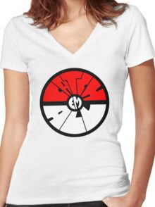 Catch 'em all - Pokeball Women's Fitted V-Neck T-Shirt