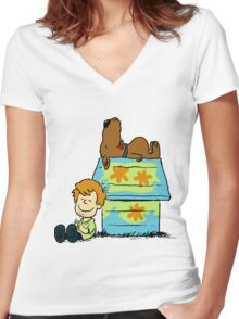 Scooby Doo Peanuts Women's Fitted V-Neck T-Shirt