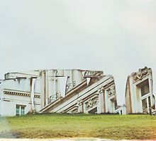 London Comes to Stonehenge ( Project Exposures #4 ) by Tom Cadrin