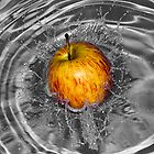 Apple Splash by Glen  Robinson