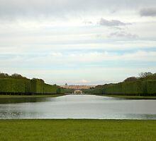 Chateau de Versailles by Geoffrey Fighiera