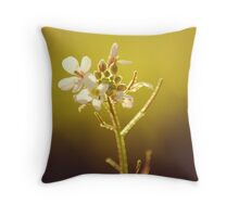 Die Blume im Licht Throw Pillow