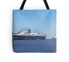 Badger Car Ferry Coming Into Port Tote Bag